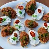 Aufstrichbrot und Beef Tatar Brot